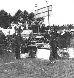 Bennink naaimachines Twente, op de markt in Rijssen